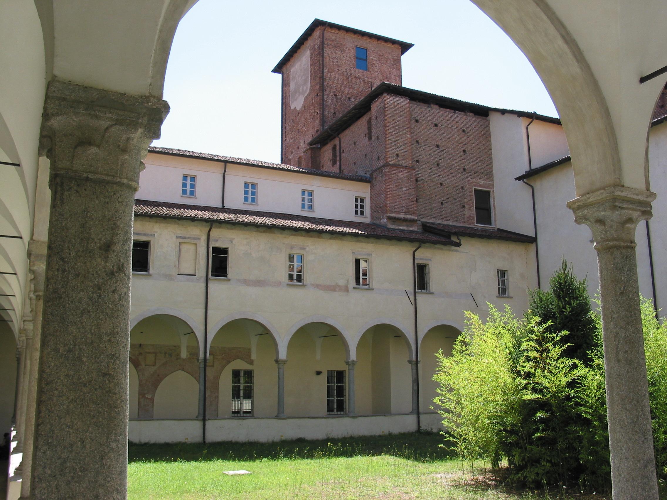 Palazzo San Tommaso-Il chiostro